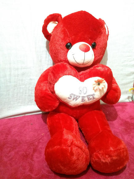 red-standing-teddy-bear-with heart