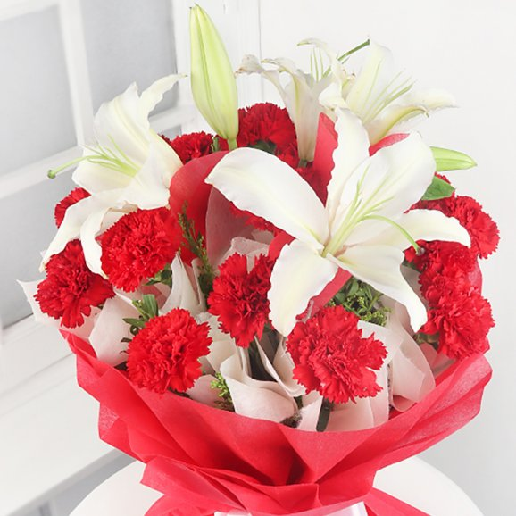 white lilies and red carnations bunch1
