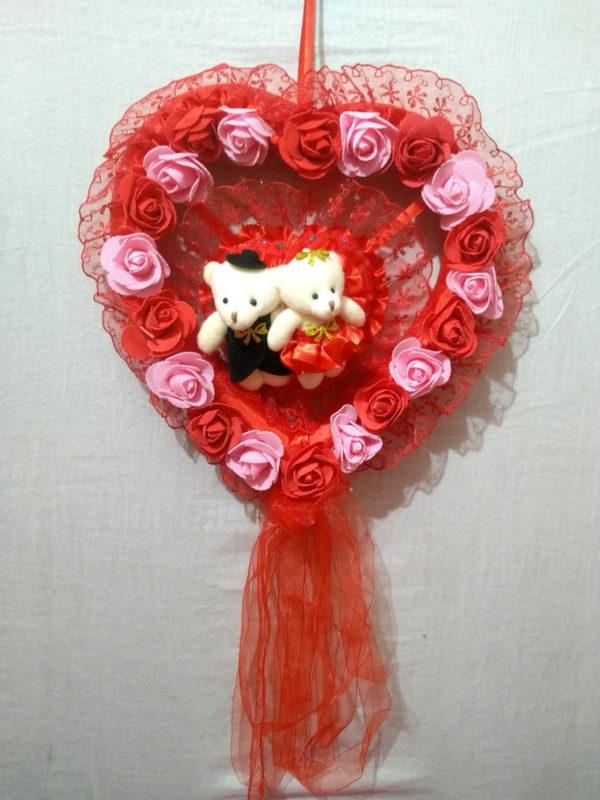 Valentine-hanging-gifts